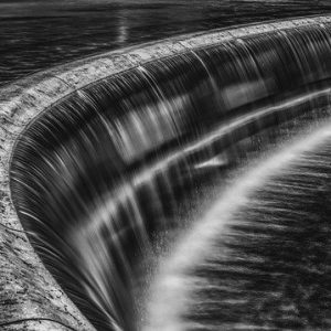 waterfall 2531194 640